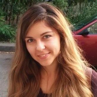 Alena Golden headshot